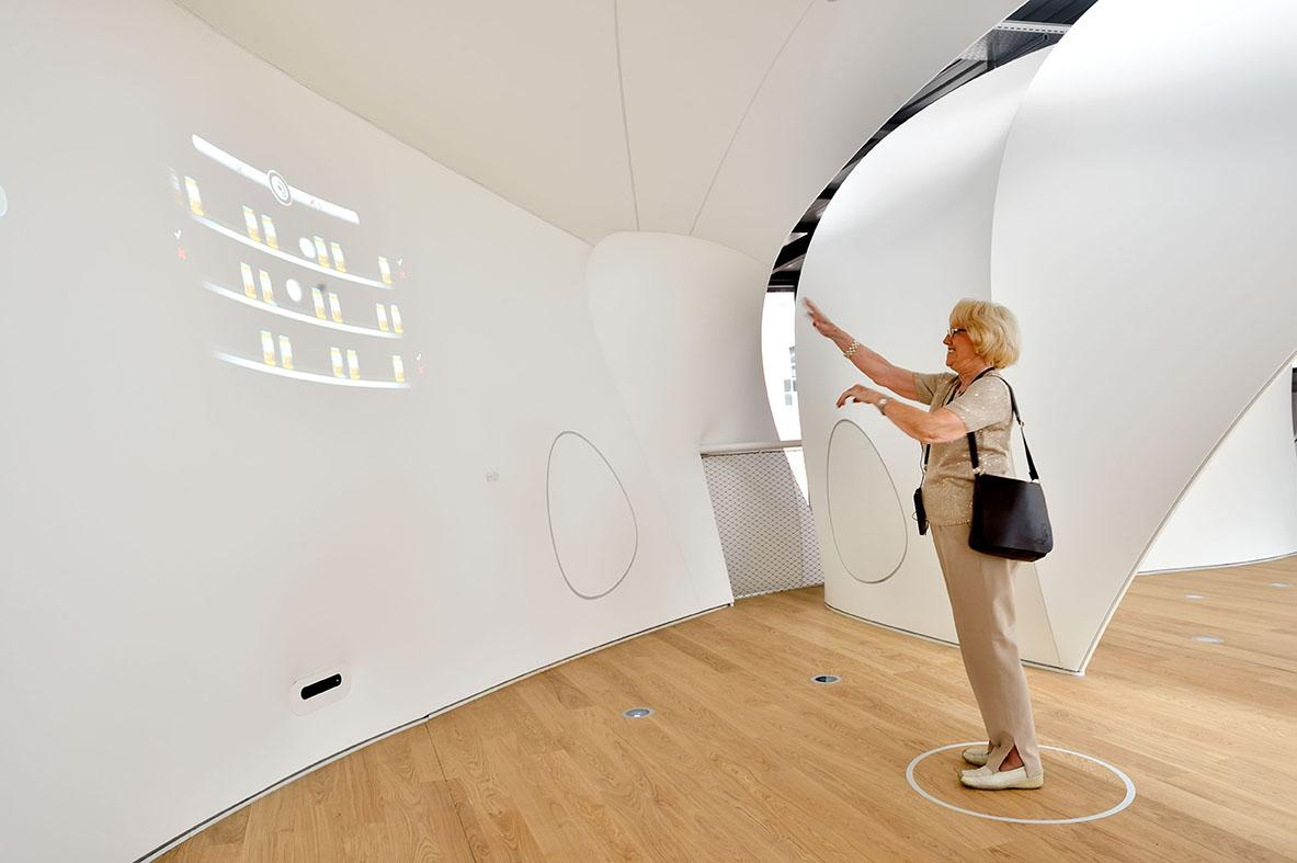 Bits and pieces interactive installation