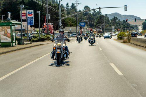 Harleys rijders komen aan in San Francisco
