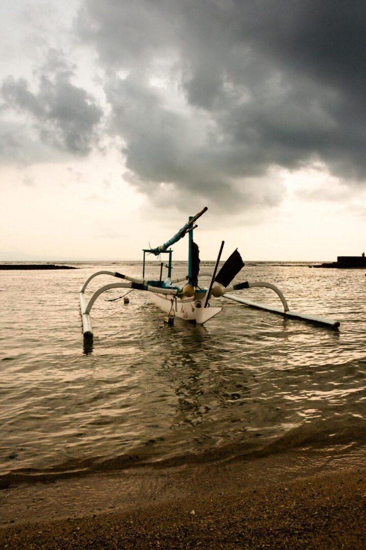 Fishermans boat candidasa