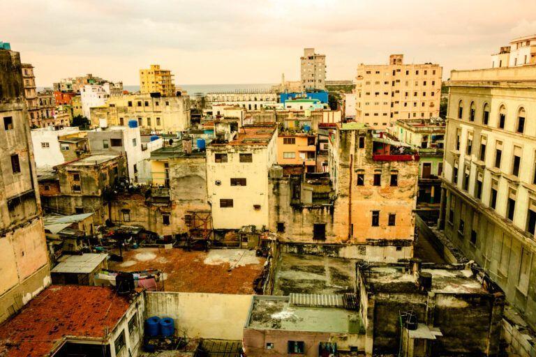 Uitzicht over een deel van oud Havana