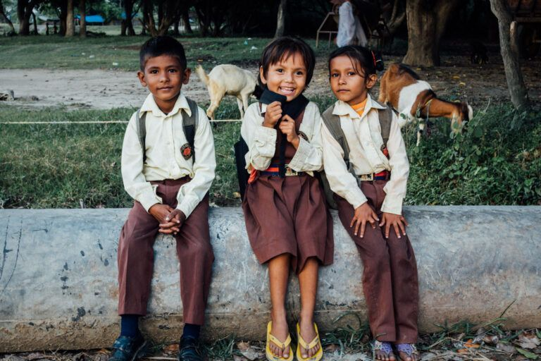 Schoolkids Nepal near the border of india