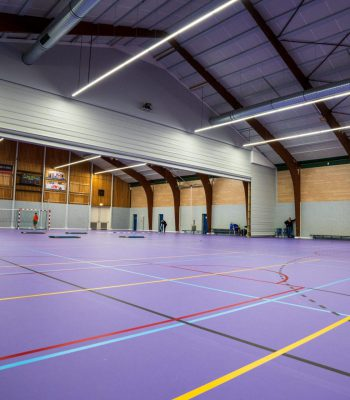Scheidingswand in sporthal Spartahal